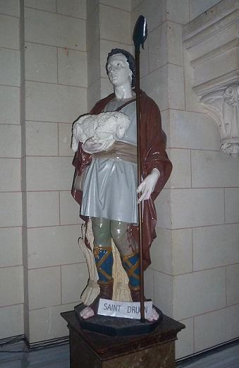 Sebourg statue de saint druon le saint berger dans le choeur de de l eglise